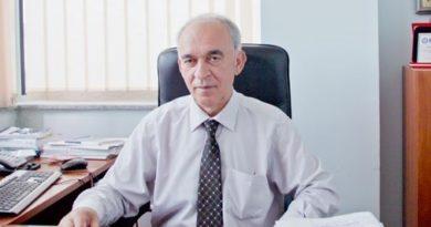 Биографиа на Проф. Др. Назми Маљичи